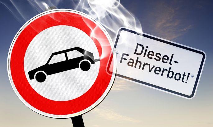 Schild Fahrverbot f�r Kfz mit qualmendem Auspuff Diesel Fahrverbote