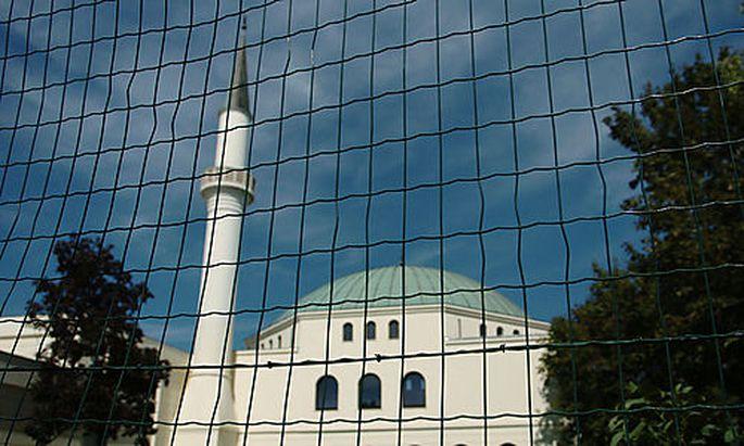 FPÖ fordert Volksbefragung zu Islam-Themen