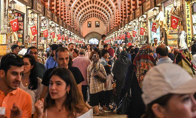 2019 ist die Türkei noch in der Rezession. 2020 soll die Wirtschaft eigentlich wieder wachsen.