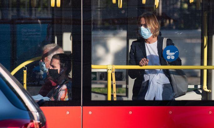 Ab 15. September muss in den öffentlichen Verkehrsmitteln wieder eine FFP-Maske getragen werden.