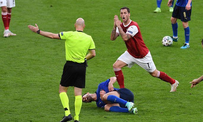 FUSSBALL Euro 2021 Achtelfinale Spiel 37 in London Italien - Oesterreich 26.06.2021 Marko Arnautovic (re, Oesterreich) r