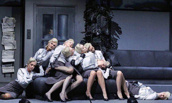 Burgtheater Wiener Schnitzler grauer