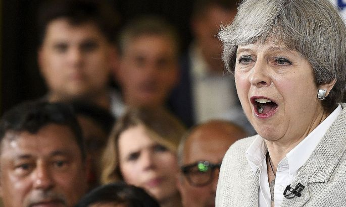 Theresa May im Kurzwahlkampf. Der Brexit-Verhandlungsstart bleibt.
