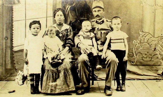 1914/2014 - ERSTER WELTKRIEG: AUSSTELLUNG ´LAND IM KRIEG -ZWISCHEN SCH�TZENGRABEN UND HEIMATFRONT. 1914 - 1918´ IM LANDESMUSEUM BURGENLAND