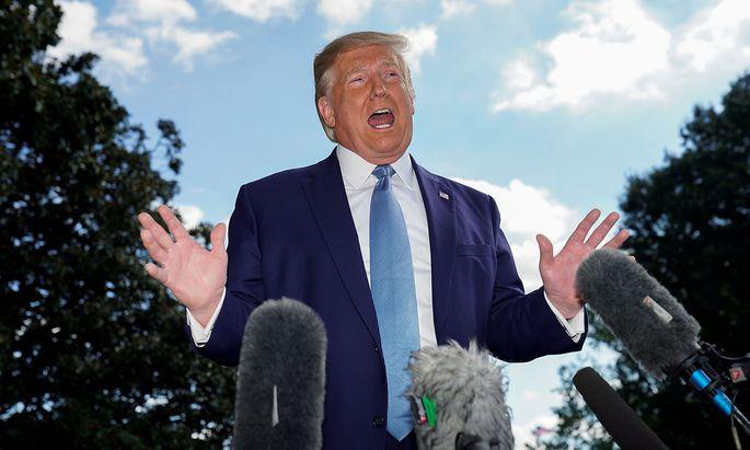 Donald Trump in Washington vor dem Abflug mit dem Helikopter zu einem Termin mit Kriegsversehrten am 4. Oktober.