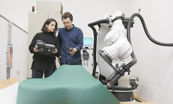 Test. The New Raw arbeiten mit 3-D-Druck-Technologie und geschreddertem Plastik.