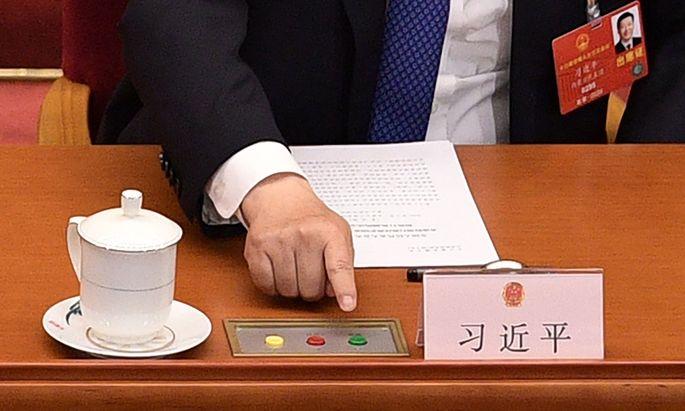 Xi Jinping gibt zum Abschluss des Nationalen Volkskongresses grünes Licht für das neue Sicherheitsgesetz für Hongkong.