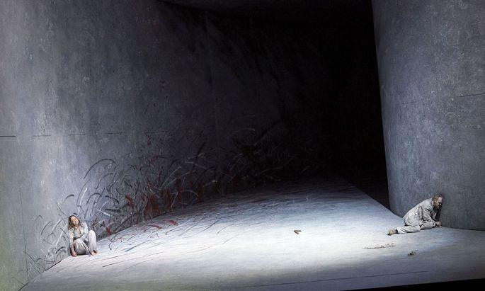 """""""Orest"""" im Irrenhaus: Die Fortsetzung der """"Elektra"""" spielt sich mit Thomas Johannes Meyer, Thomas Ebenstein, Audrey Luna und Laura Aikin im Kopf des Titelhelden ab. (Regie und Bühne: Marco Arturo Marelli)"""
