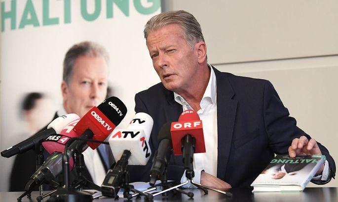 """Ex-Vizekanzler Reinhold Mitterlehner bei der Präsentation seines Buches """"Haltung"""" im April 2019."""