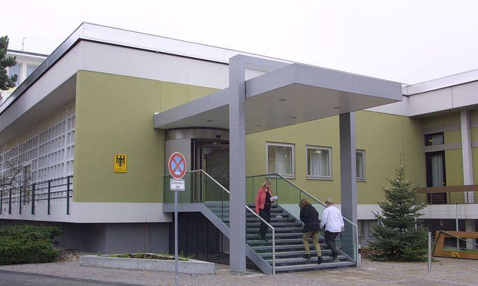 Bundeskriminalamt in Wiesbaden BKA Wiesbaden den 28 11 2001 Wiesbaden Deutschland PUBLICATIO
