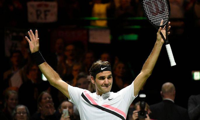 Roger Federer feiert den Sieg gegen Robin Haase im Viertelfinale von Rotterdam.