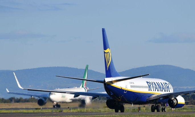 Eine Boeing 737 NG der Ryanair.