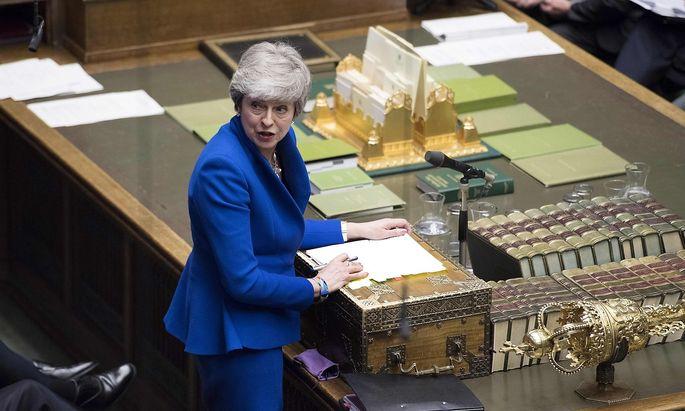 Das Unterhaus kann nur die gesamte Regierung absetzen. Im Bild: Premierministerin Theresa May.