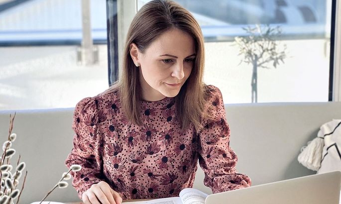 Corinna Scharzenberger im Home-Office