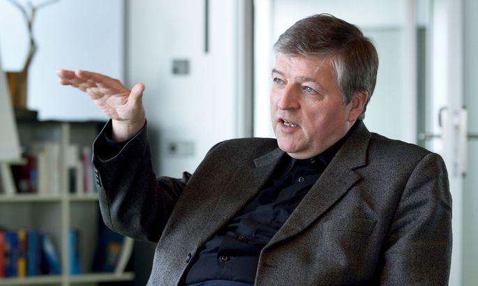 Die Pfarrer-Initiative sei keineswegs aufgelöst, sagt Helmut Schüller.