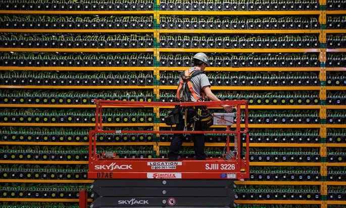 In dieser Bitcoin-Farm in Québec werden Bitcoin geschürft. Das wird nun teurer, weshalb auch der Preis steigen dürfte.