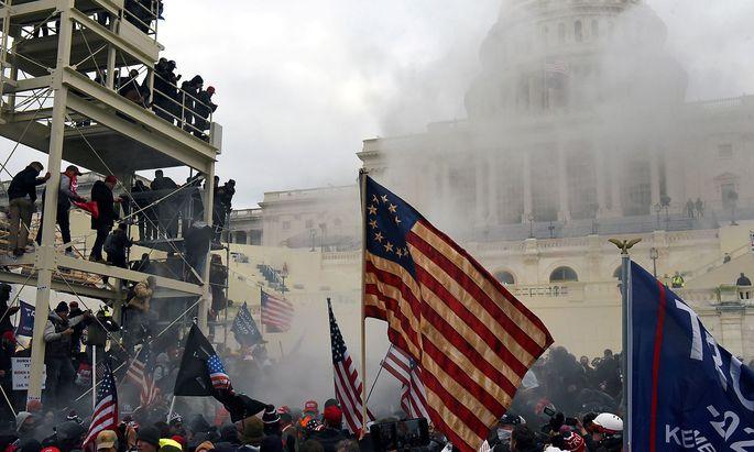 Archivbild vom 6. Jänner, als sich der Protest von Trump-Anhängern in einem Sturm auf das US-Parlament endete.