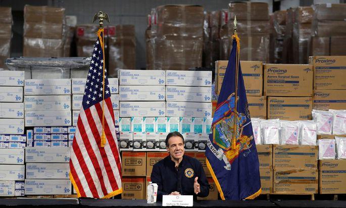 Andrew Cuomo im Krisenmodus als Gouverneur New Yorks. Er zitiert Vater und Mutter – und spricht so die ganze Nation an.