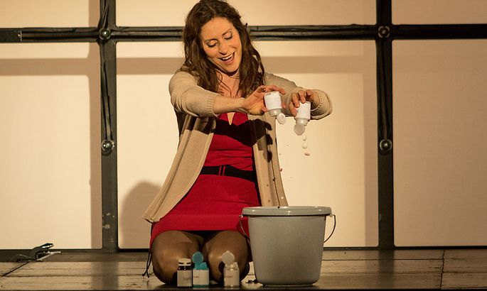 Pia Douwes kämpft im Musical