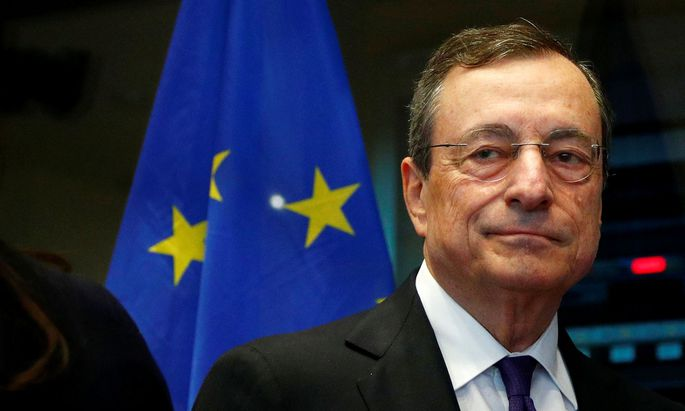Mario Draghi seine jahrelange Strategie der lockeren Geldpolitik fort.
