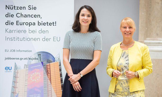 Anastasia Fux und Sabine Piska-Schmidt