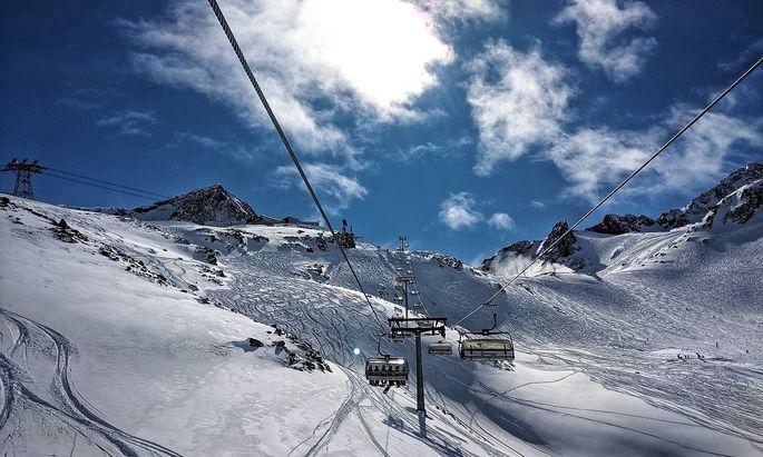 March 16, 2020, Neustift Stubaital, Tirol, Austria: A view of the slopes at the Stubai Glacier in Tirol, Austria just pr