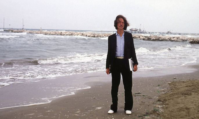 Die romanischen Länder blieben dem Autor immer treu – das kann man nicht von allen sagen: Peter Handke am Strand in Venedig.