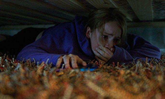 Eine Krankenschwester (Quinn Harris) versucht, dem Mechanismus des Todes auf die Spur zu kommen.