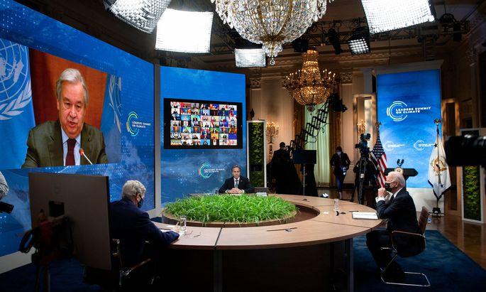 UN-Generalsekretär António Guterres im Videogespräch mit Joe Biden beim Klimagipfel im Weißen Haus.