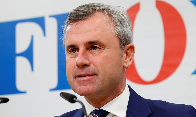 Head of FPOe Hofer addresses the media in Vienna