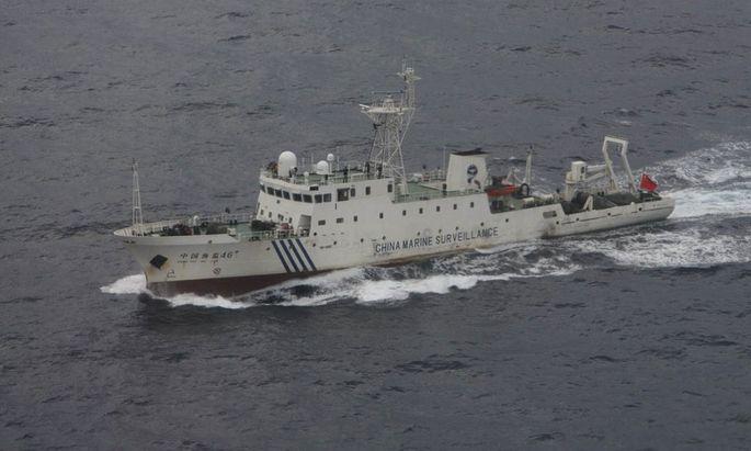 Chinas Kriegsmarine hält Manöver im Südchinesischen Meer ab. Auch mit paramilitärischen Truppen zeigt Peking Präsenz in der umkämpften Region.