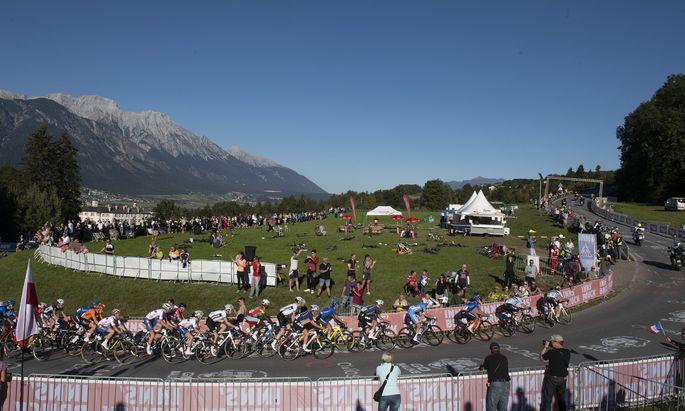Die Rad-WM in Tirol: Speichenspektakel vor spektakulärer Kulisse mit steilen Anstiegen und rasanten Abfahrten.
