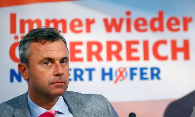 Austrian far right Freedom Party presidential candidate Hofer addresses a news conference in Vienna