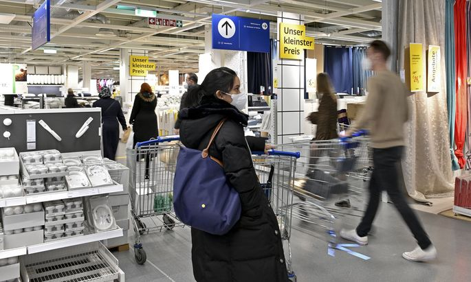 Mariahilfer Straße zu, Shopping offen? Im Bild: SCS Vösendorf