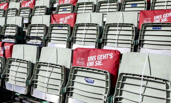 Beim Tennisturnier in Kitzbühel wird auf Abstand geachtet.
