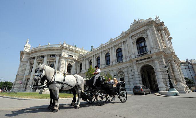 Burgtheater-Causa: Nach langwierigen Untersuchungen und zahlreichen Einvernahmen werden die strafrechtlichen Ermittlungen endlich abgeschlossen.