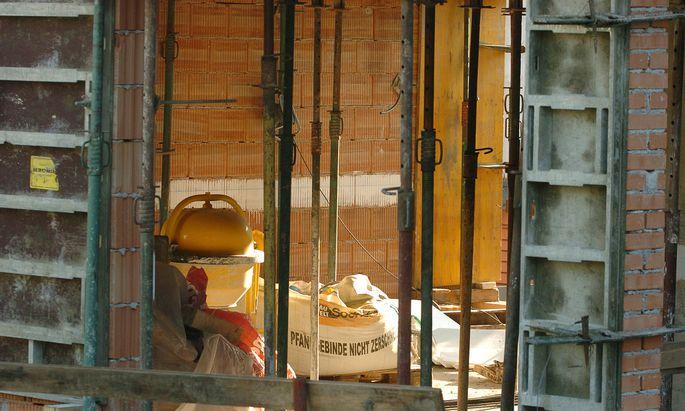 Bauwerke brauchen häufig Nachbesserungsarbeiten.