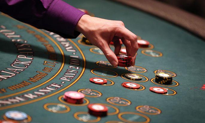 Symbolbild: Ein Black-Jack-Tisch, aufgenommen im Hippodrome Casino in London