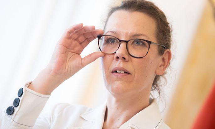 Bildungsministerin Iris Rauskala