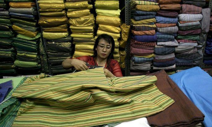 INDONESIA TRADE TEXTILES CHINA