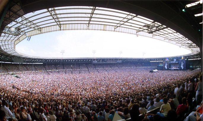 LIVE AID CONCERT AT WEMBLEY STADIUM, LONDON , BRITAIN - 1985