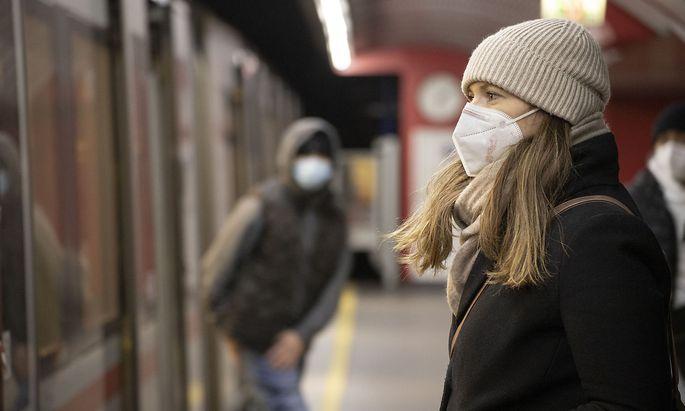 FFP-2 Maskenpflicht in den �ffentlichen Verkehrsmitteln // FFP-2 mandatory masks in public transport