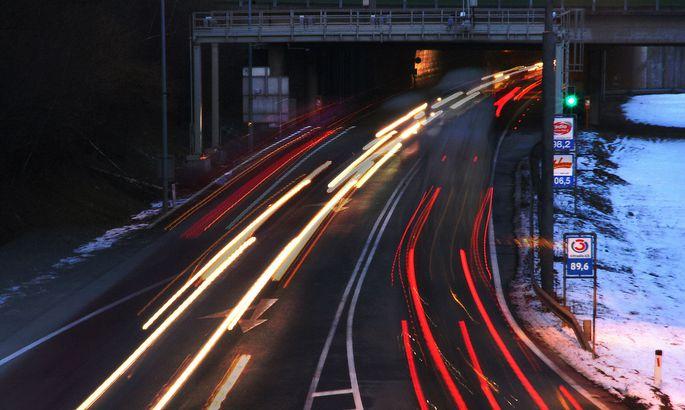 Autobahn bei Nacht - highway at night