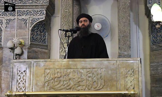 Der IS-Chef bei seinem ersten öffentlichen Auftritt in einer Moschee in Mossul.
