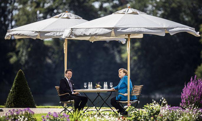 Zahlen, bitte: Italiens Premierminister Conte und die deutsche Kanzlerin Merkel erörterten diese Woche den künftigen Haushalt der EU.