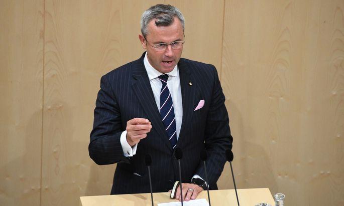 Norbert Hofer möchte einige Aussagen seines Vorgängers revidieren.