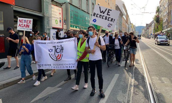 Eine Solidaritätskundgebung nach dem Angriff auf den Präsidenten der jüdischen Gemeinde in Graz