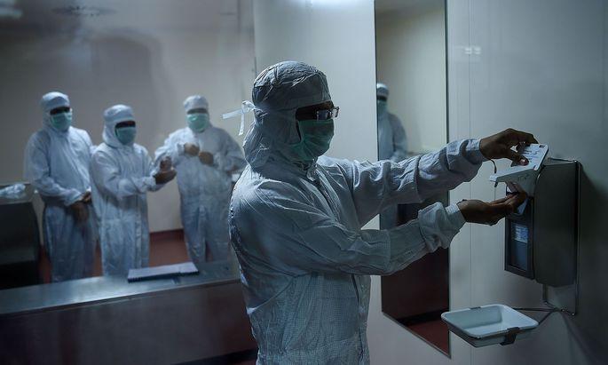 Ein Bild aus der Astrazeneca-Produktion in Pune, Indien.