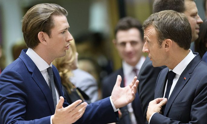 News Bilder des Tages Austrian Minister of Foreign Affairs Sebastian Kurz and President of France Em