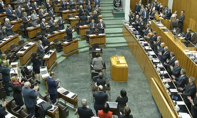 Parlament: Koalition will Spesen- und Mitarbeiterbudget aufbessern